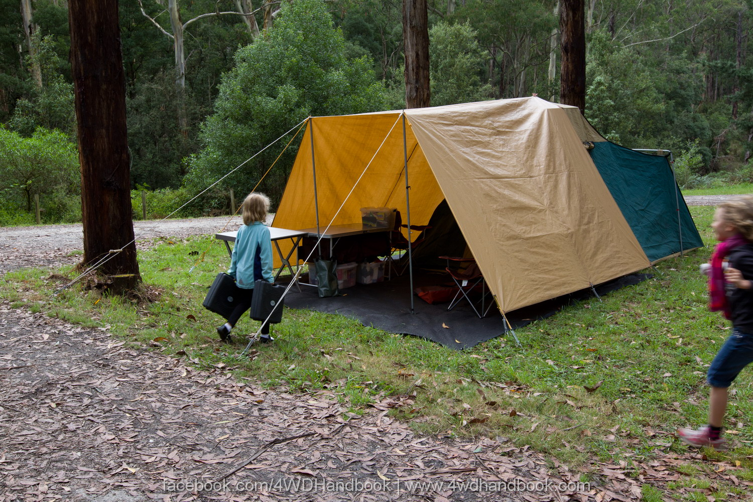 ... minutes from switching the caru0027s engine off to having the tent erect and the family inside setting up the bedding. Thatu0027s almost c&er-trailer quick. & QLD 4wd Tours | Top Tips for Vehicle Based Camping by Robert Pepper